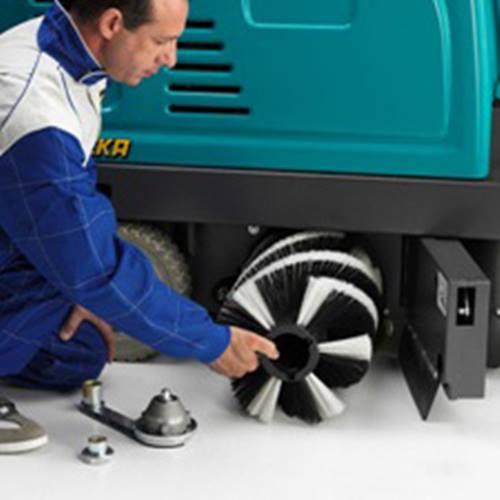 ถอดเปลี่ยนแปรงกวาดได้อย่างง่ายดาย ไม่ต้องใช้เครื่องมือให้ยุ่งยาก Eureka Xtreama wap system รถกวาดถนน รถดดฝน กวาดขยะ 003 รถ กวาด ถนน ขนาด เล็ก,รถ กวาด ถนน ดูด ฝุ่น,รถ กวาด,รถ กวาด ถนน ราคา,เครื่อง กวาด ถนน,รถกวาดพื้นดูดฝุ่น,รถกวาดถนน ราคา,รถเข็นกวาดพื้น,เครื่องกวาดฝุ่น,เครื่องกวาดพื้น Octopus,รถกวาดถนนแบบลากจูง,รถกวาดและดูดฝุ่นถนน,รถดูดฝุ่น โรงงาน ราคา,เช่ารถกวาดถนน,รถดูดฝุ่น โรงงาน,รถดูดฝุ่น ขนาดใหญ่,รถกวาดขยะ